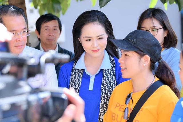 Chủ tịch Bùi Thanh Hương hội ngộ Happy Women Leader Network Gia Lai trong chuyến thiện nguyện - 1