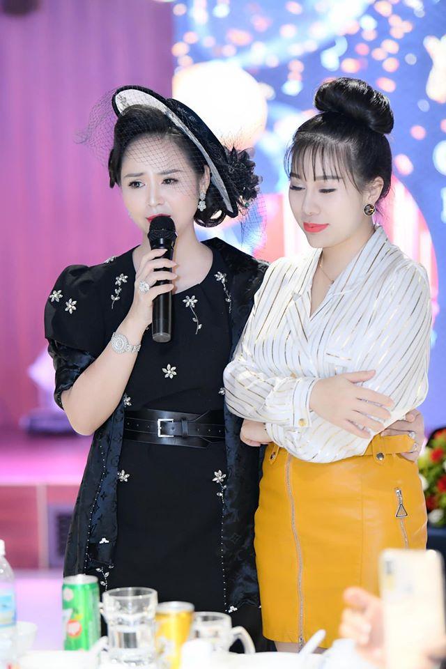 Chủ tịch Bùi Thanh Hương hội ngộ Happy Women Leader Network Gia Lai trong chuyến thiện nguyện - 4