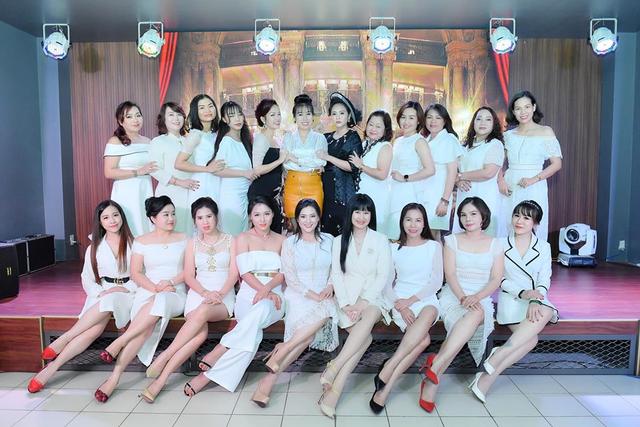 Chủ tịch Bùi Thanh Hương hội ngộ Happy Women Leader Network Gia Lai trong chuyến thiện nguyện - 5