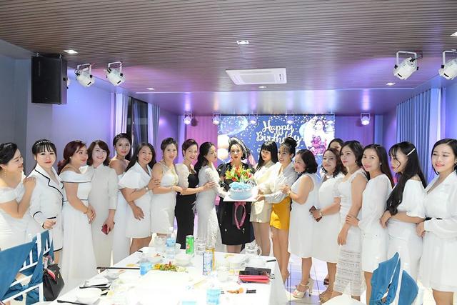 Chủ tịch Bùi Thanh Hương hội ngộ Happy Women Leader Network Gia Lai trong chuyến thiện nguyện - 6
