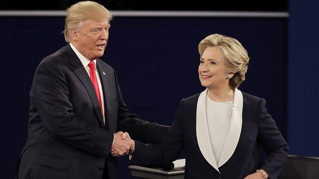 Bà Hillary tiết lộ cuộc gọi khiến ông Trump bất ngờ không nói nên lời - 1