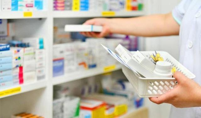 Phạt tiền, thu hồi giấy chứng nhận kinh doanh vì cố tình bán thuốc thành phẩm chui - 1