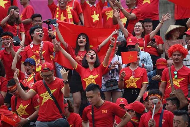 Fan chân chính hay fan phong trào, Việt Nam ghi bàn ta cùng hét lên! - 2