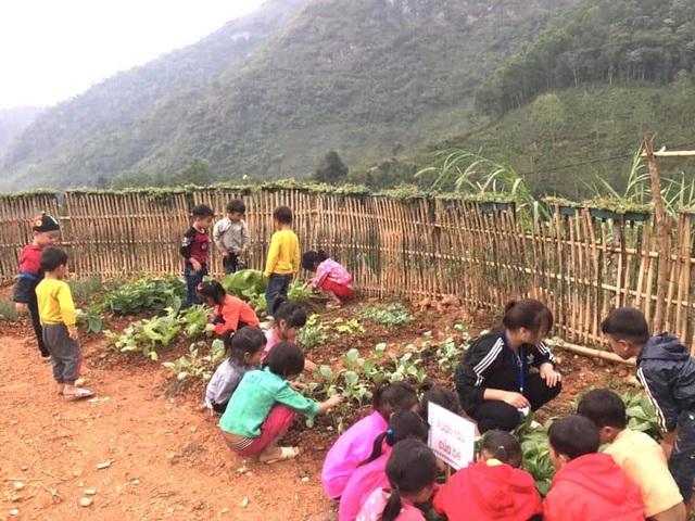 """Hàng chục học sinh mầm non """"co ro"""" trong lớp học trên triền núi - 4"""