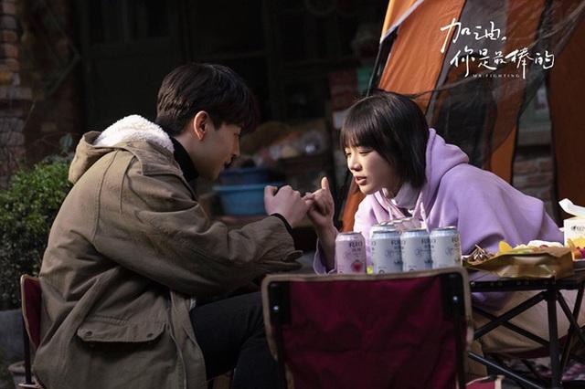 """""""Cố lên, cậu là tuyệt nhất"""" của Đặng Luân và Mã Tư Thuần lên sóng màn ảnh Việt - 1"""