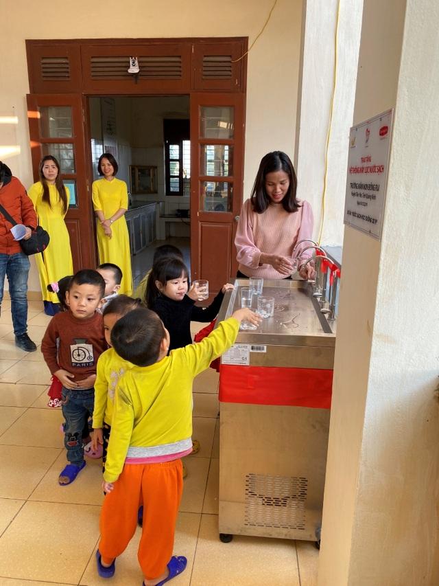Quỹ Vì cuộc sống tươi đẹp của Công ty BHNT Dai-ichi Việt Nam và VNPost bàn giao hệ thống máy lọc nước tại Thanh Hóa và Quảng Ninh - 3