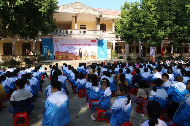 Quỹ Vì cuộc sống tươi đẹp của Công ty BHNT Dai-ichi Việt Nam và VNPost bàn giao hệ thống máy lọc nước tại Thanh Hóa và Quảng Ninh - 4
