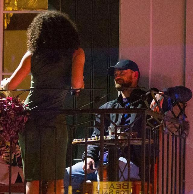 Justin Timberlake xin lỗi vợ vì lỡ… nắm tay bạn diễn gây tin đồn lùm xùm - 5