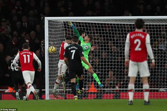 """Arsenal 1-2 Brighton: """"Pháo thủ"""" tiếp tục nhận trái đắng - 2"""