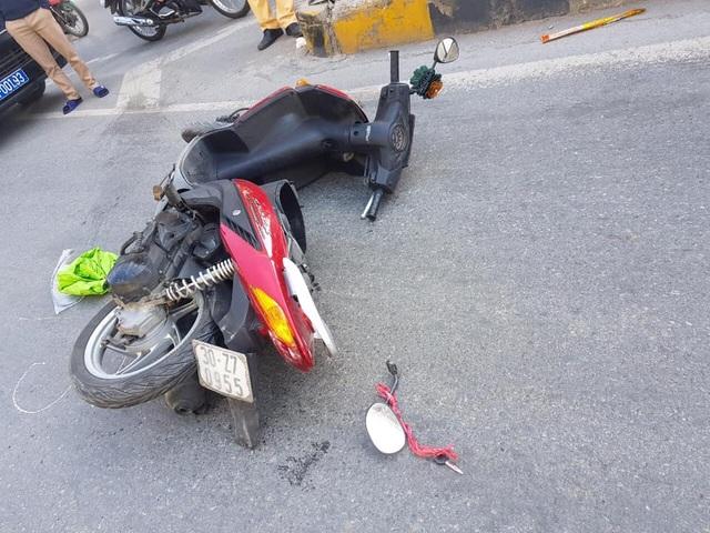 Hà Nội: 2 người tử nạn sau cú va chạm với xe tải  - 3