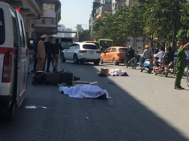 Hà Nội: 2 người tử nạn sau cú va chạm với xe tải  - 1