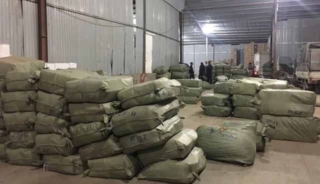Đường dây buôn lậu hàng trăm tấn thuốc bắc nguỵ trang nông sản - 1