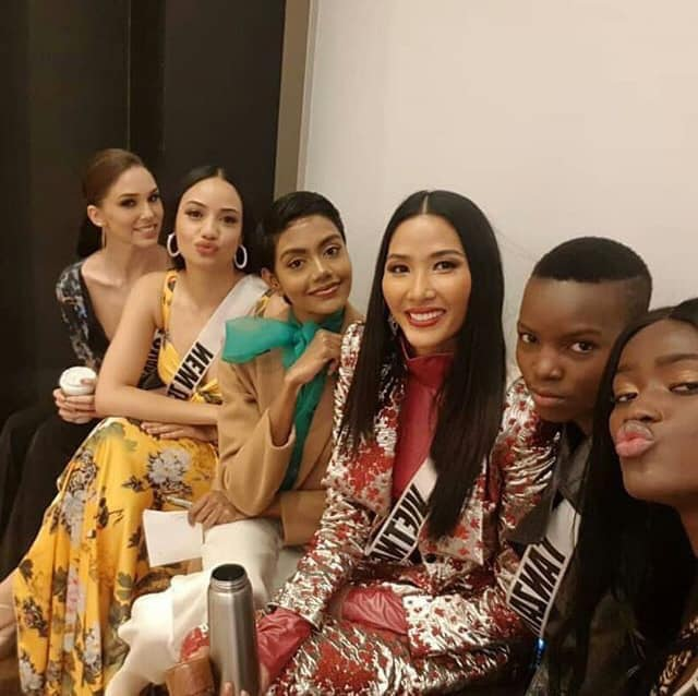 Ra mắt mẫu vương miện mới dành cho Hoa hậu Hoàn vũ 2019 - 10