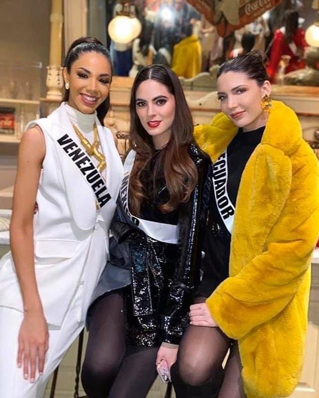 Ra mắt mẫu vương miện mới dành cho Hoa hậu Hoàn vũ 2019 - 26