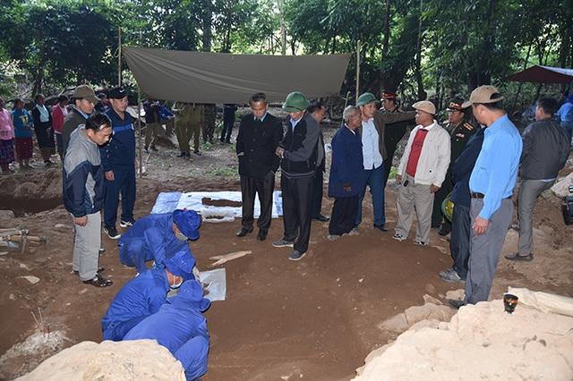 Phát hiện và cất bốc 10 hài cốt liệt sỹ hy sinh tại Lào - 2