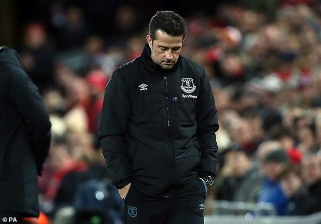 Bại trận trước Liverpool, Everton sa thải huấn luyện viên - 1