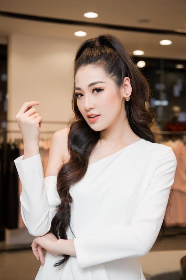"""""""Mẹ chồng"""" Lan Hương được dàn Hoa hậu, diễn viên tranh nhau gọi """"u"""" - 15"""