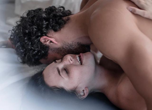 Tâm sự cô gái hoang mang trong mối quan hệ lúc lạnh lúc nóng với sếp - 1