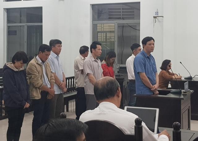 Xét xử vụ án tham ô xảy ra tại công ty khai thác công trình thủy lợi Nam Khánh Hòa - 1