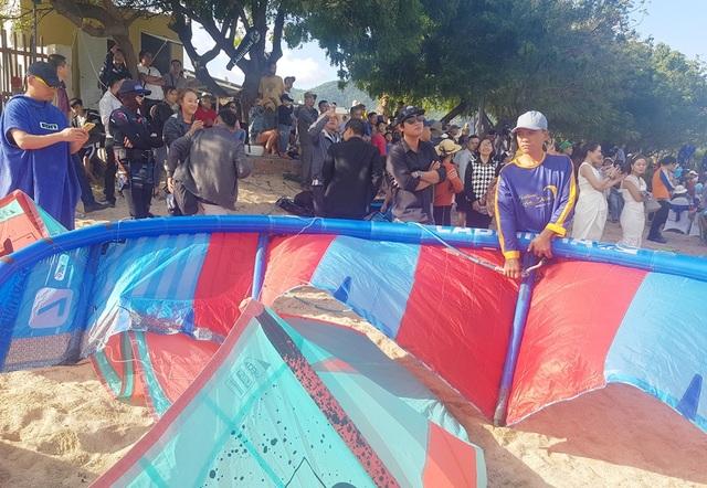 """Du khách mãn nhãn với """"bữa tiệc"""" ván diều trên biển Ninh Thuận - 3"""