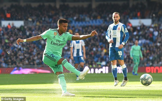 Đánh bại Espanyol, Real Madrid tạm thời dẫn đầu bảng La Liga - 1