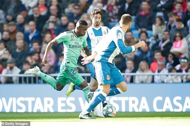 Đánh bại Espanyol, Real Madrid tạm thời dẫn đầu bảng La Liga - 2