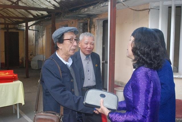 Nhiều nghệ sĩ bật khóc trong lễ kỷ niệm 60 năm Hãng phim truyện Việt Nam - 6