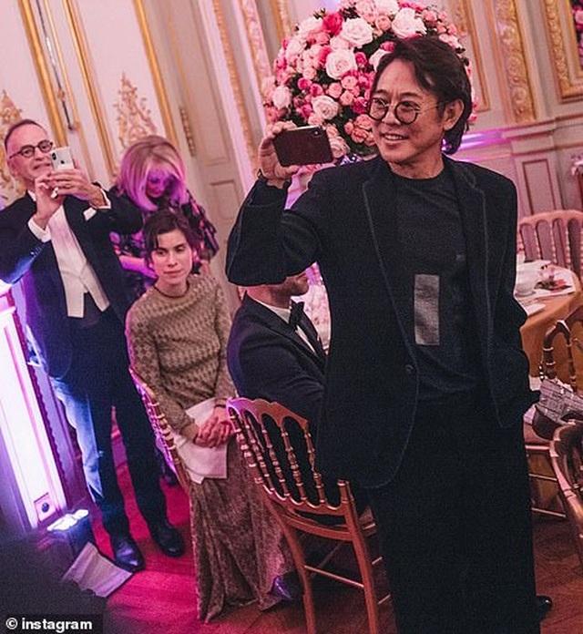 Con gái Lý Liên Kiệt dự dạ hội khiêu vũ cùng các tiểu thư phương Tây ở Paris - 6