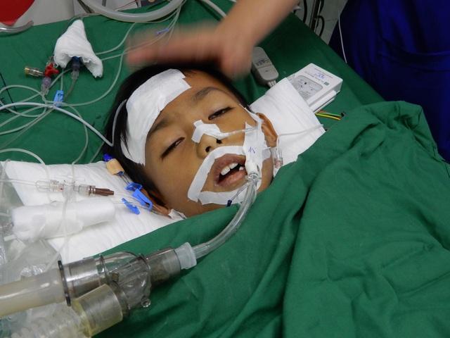 Những người làm báo giúp đỡ cậu bé 8 tuổi tính mạng đang nguy kịch - 3