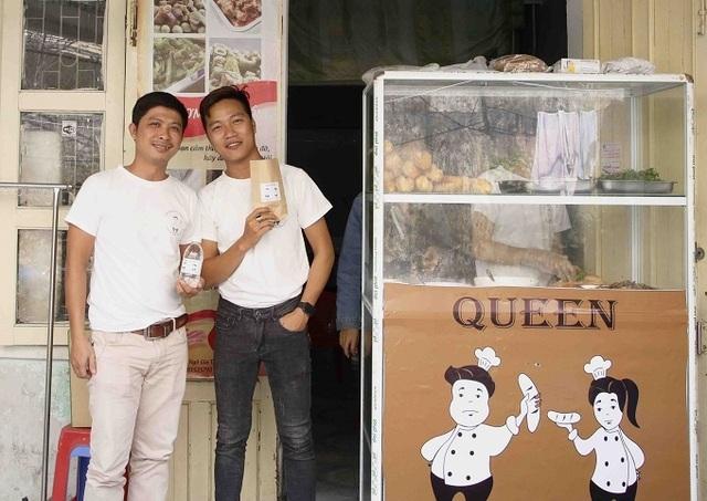 Ông chủ 27 tuổi mở quán bánh 0 đồng, nhận 200 nụ cười mỗi ngày - 2