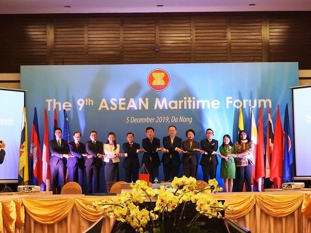 Quốc tế lo ngại những hành động vi phạm luật Biển trên Biển Đông