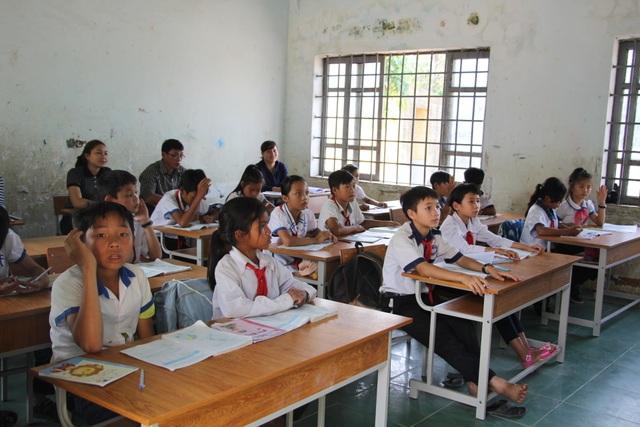 Đắk Lắk: Trình Sở Nội vụ xét tuyển dụng đặc cách 40 giáo viên hợp đồng - 1