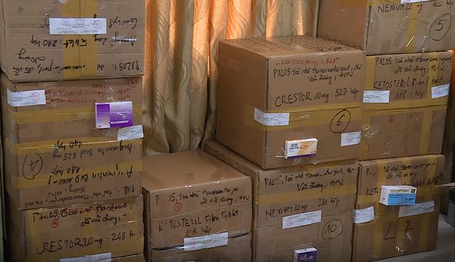 Thu giữ lô thuốc tân dược không rõ nguồn gốc trị giá gần 2 tỷ đồng ở Hà Nội - 4