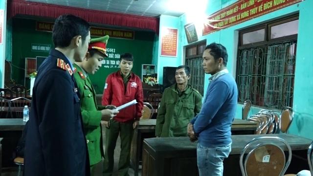 Quảng Bình: Bắt giữ 2 bố con tàng trữ gần 1 tấn pháo - 1