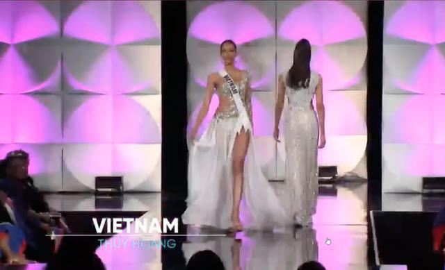 """Hoàng Thuỳ tung váy xuất thần, hô vang """"Việt Nam"""" tại bán kết Hoa hậu Hoàn vũ - 12"""