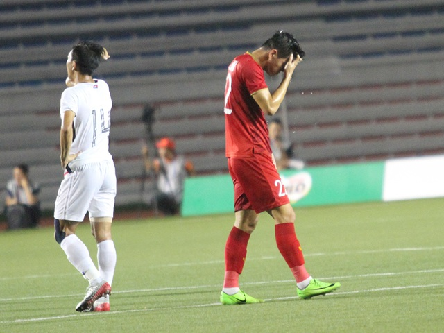 Tiến Linh tập tễnh khiến HLV Park Hang Seo lo lắng - 13