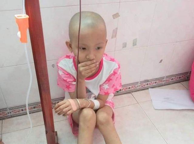 Bé gái 1 quả thận ước mơ thành họa sĩ được bạn đọc giúp đỡ hơn 125 triệu đồng - 1