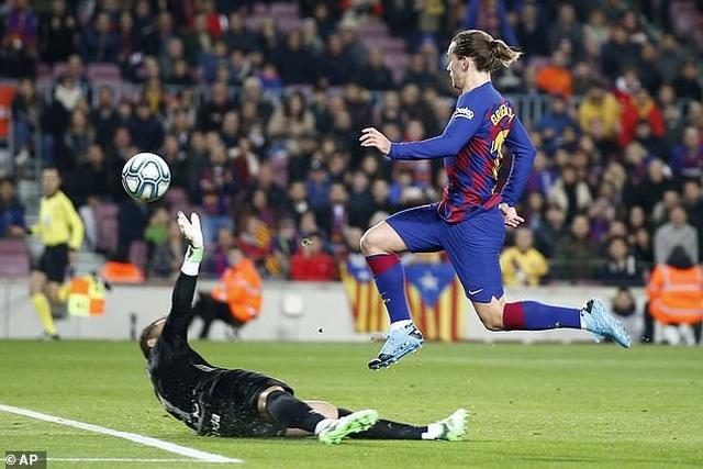 Messi tỏa sáng, Barcelona thắng đậm Mallorca và đòi lại ngôi đầu bảng - 4