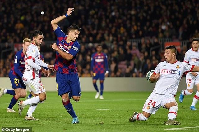 Messi tỏa sáng, Barcelona thắng đậm Mallorca và đòi lại ngôi đầu bảng - 8