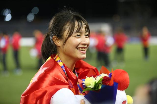 Ngỡ ngàng vẻ đẹp nữ tuyển thủ Việt Nam giành HCV SEA Games 30 - 10