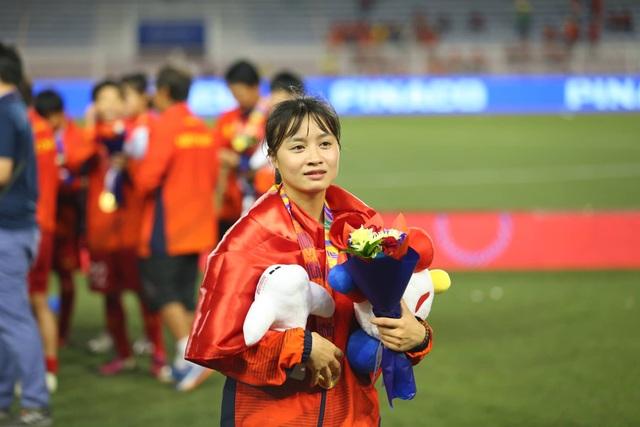 Ngỡ ngàng vẻ đẹp nữ tuyển thủ Việt Nam giành HCV SEA Games 30 - 4