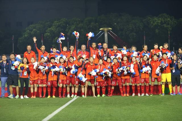 Ngỡ ngàng vẻ đẹp nữ tuyển thủ Việt Nam giành HCV SEA Games 30 - 12