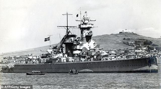Đại bàng khổng lồ trị giá 20 triệu bảng trục vớt từ xác chiến hạm của Hitler - 2