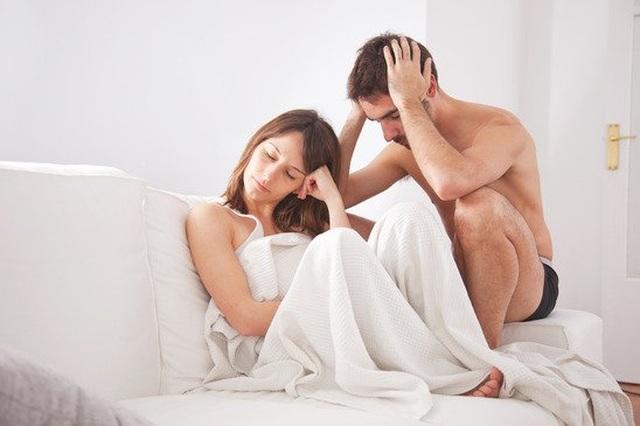 Buồn chồng yếu chuyện chăn gối, vợ lừa chồng uống thuốc kích thích và cái kết đắng - 1