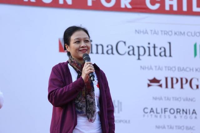 Các đại sứ tham gia chạy vì trẻ em Hà Nội 2019 - 7