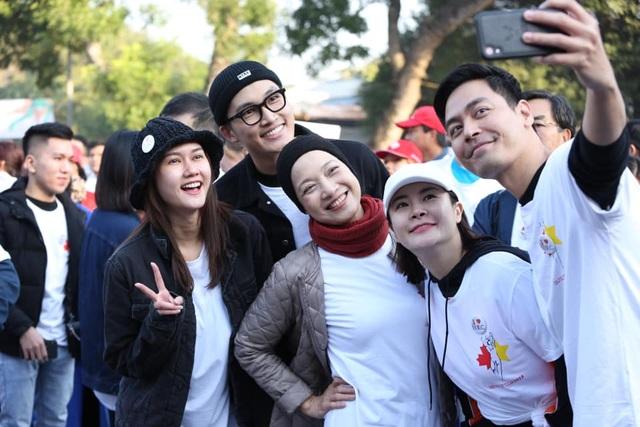 Các đại sứ tham gia chạy vì trẻ em Hà Nội 2019 - 6