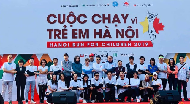 Các đại sứ tham gia chạy vì trẻ em Hà Nội 2019 - 17