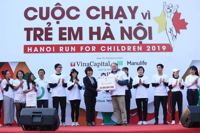 Các đại sứ tham gia chạy vì trẻ em Hà Nội 2019 - 16