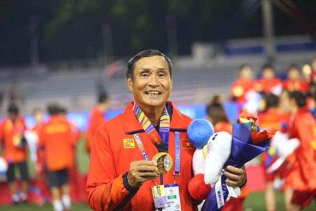 Những cô gái vàng bóng đá nữ SEA Games 30 giao lưu cùng độc giả Dân trí từ Philippines - 3