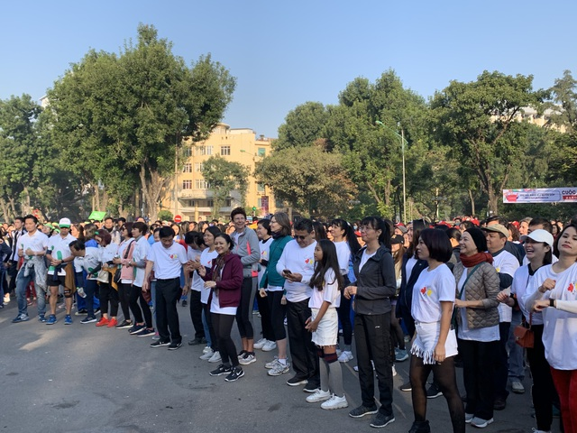 Các đại sứ tham gia chạy vì trẻ em Hà Nội 2019 - 2